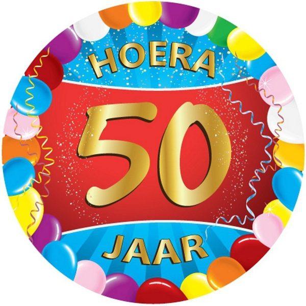 100x stuks gekleurde bierviltjes/onderzetters 50 jaar thema feestartikelen en versiering