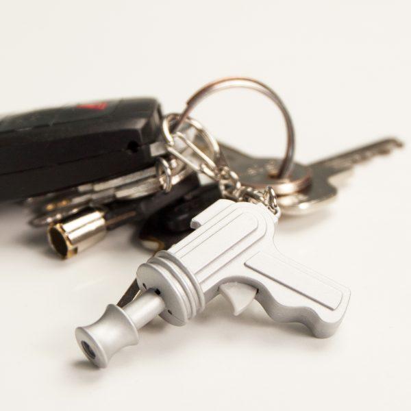 Kikkerland Space gun sleutelhanger