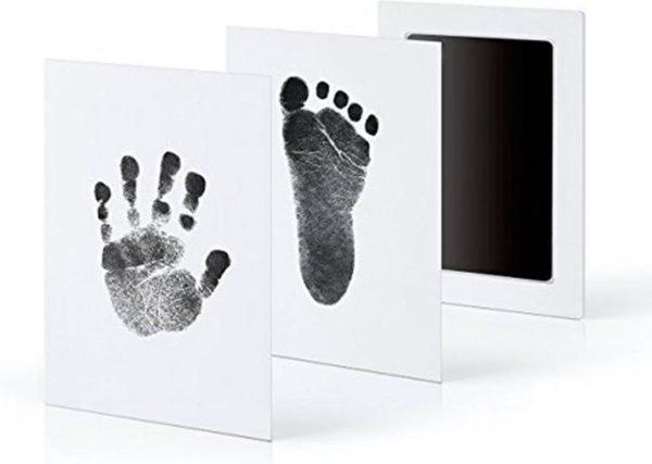 Baby handafdruk en voetafdruk fotokaartje - Baby cadeau - Zwart - Gipsafdruk alternatief! - Eenvoudig schoonmaken - incl. 2 witte kaartjes en handleiding