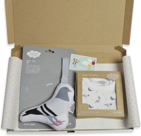 Cadeaupakket Duifjes met rompertje 3-6 maanden & soft toy duif - origineel kraamcadeau